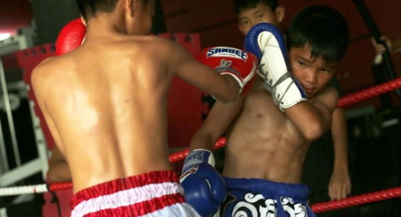 Many child boxers in Thailand feel they have no choice but to turn to Muay Thai and fight for money to support their poor families. They use their punches to pave the way for a better life.