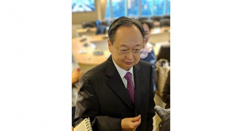 Sontirat Sontijirawong, Commerce Minister