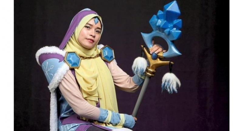 Saakira Izumi in her handmade Crystal Maiden outfit (from the video game Dota 2). Photo: The Star/Yap Chee Hong
