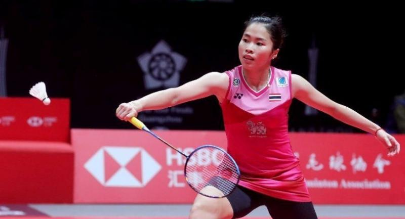 Ratchanok Intanon returns a shot to Chen Yufei . (Badminton Photo)