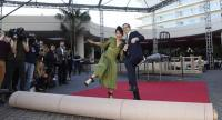 Sandra Oh and Andy Samberg, hosts of the 76th Annual Golden Globe Awards, rollout the red carpet during a preview day at The Beverly Hilton Hotel on January 3 in Beverly Hills, California.//AFP