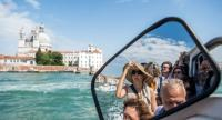 Italy's newly approved budget includes the introduction of an entrance tax for tourists who visit Venice. /EPAEFE