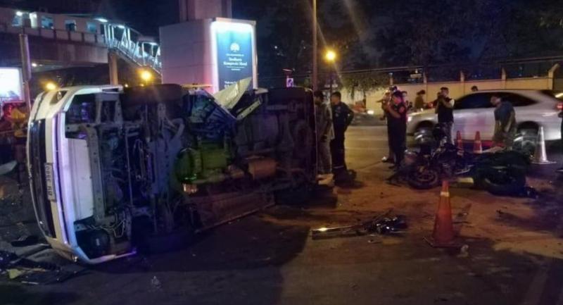 Two Hungarians killed in Bangkok motorcycle-van crash