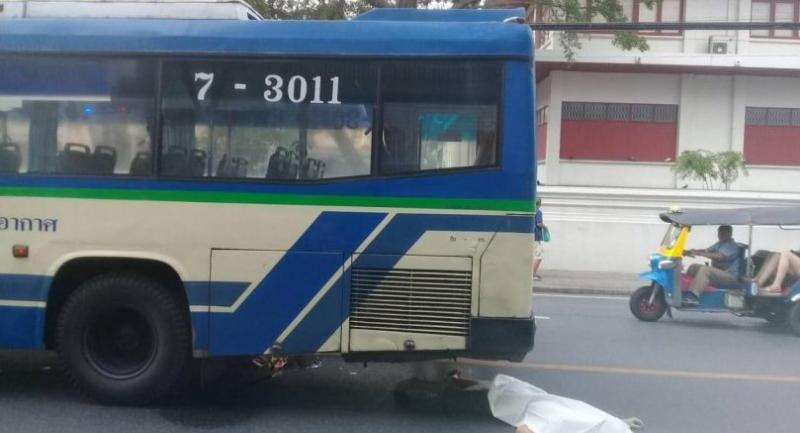 Unidentified western man crushed to death by Bangkok bus