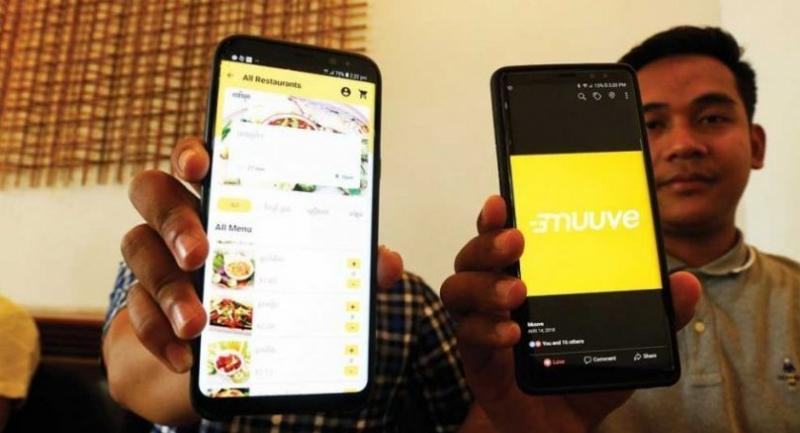 After ordering food through the app, customers will receive an arrival time for their food, while they can also track the exact location of their driver through the app's inbuilt map.//Photo : Sreng Meng Srun