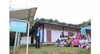 Banpu Infinergy staff explained about solar energy generation system for learning to students at Ban Mae Toh Kee school, one of the 13 school members under Light