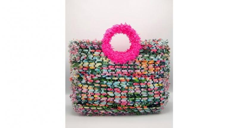 Mamawell handbag, Bt3,490