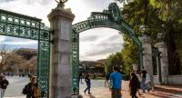 Students enter the campus of the University of California at Berkeley through the main entrance, Sather Gate. //The Jakarta Post(Shutterstock/cdrin)