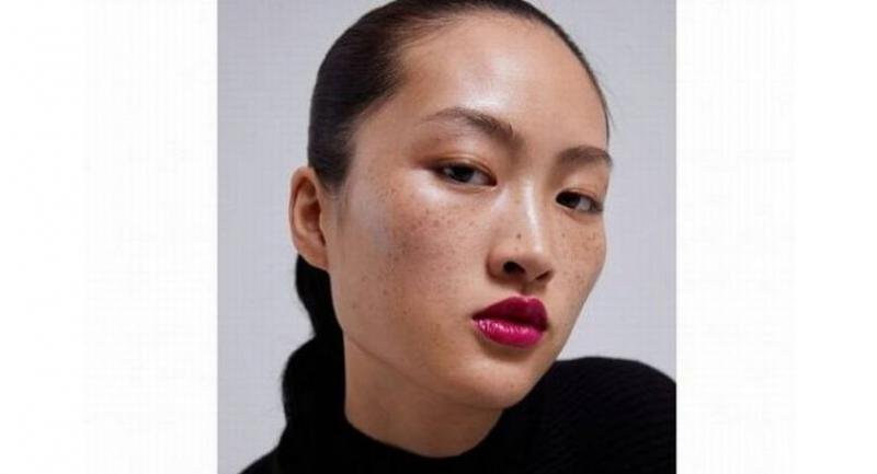 Zara said photos of the model were taken in an all-natural way without any software manipulation, and the reactions might just be differences in aesthetics.//PHOTO: SCREENGRAB FROM ZARA.CN