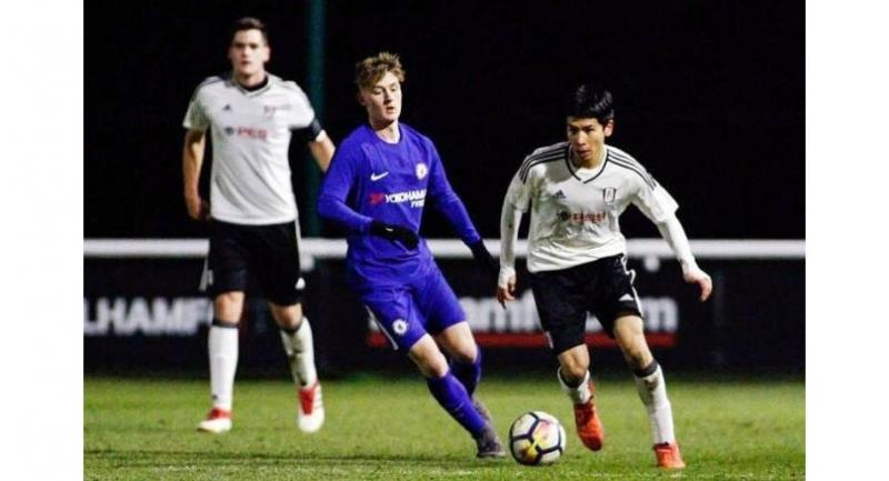 Singaporean footballer Ben Davis ((R) during a Fulham Under-18 match against Chelsea. The teenager's appeal for deferment had sparked a national debate last year. He is the first Singaporean to sign professional terms with an EPL team.//Fulham FC