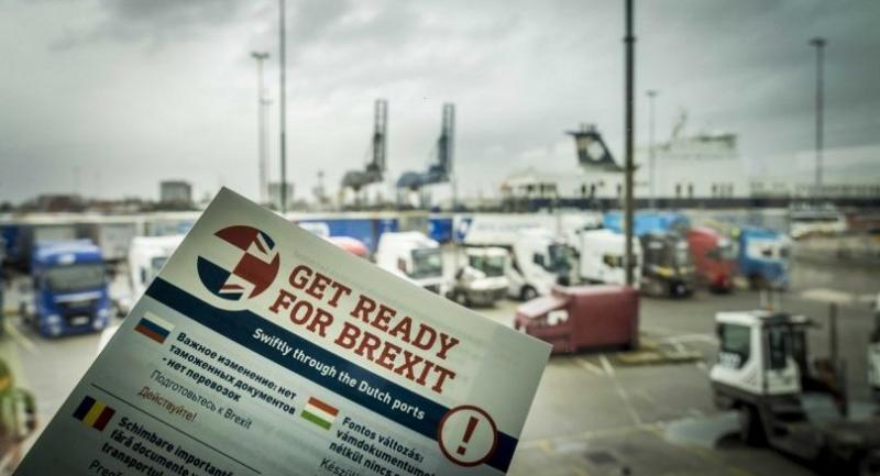 A leaflet is seen in the harbour of Rotterdam, to inform transporters how to be prepared for the Brexit, in Rotterdam, The Netherlands, on March 13.//EPA-EFE