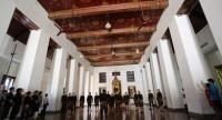 Suanplu Chorus performs songs specially rearranged and adapted for the historical space Isara Winitchai Throne Hall in the National Museum Bangkok.