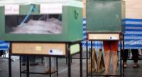Thai voters cast their ballots during advance voting of the general election at a polling station in Bangkok, Thailand, 17 March 2019. // EPA-EFE PHOTO