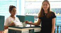 Ratchanok Intanon casts her ballot on Sunday.