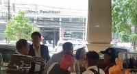 Seri Ruam Thai party retired Pol General Seripisut Temiyavej arrives at the meeting venue on Wednesday.