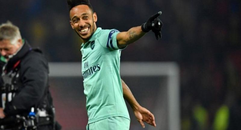 Arsenal's Gabonese striker Pierre-Emerick Aubameyang smiles as he responds to his supporters.