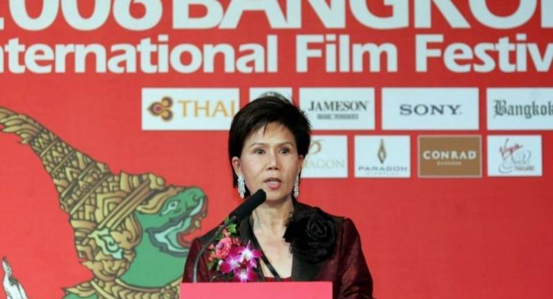Juthamas Siriwan addressing the opening ceremony of the 2006 Bangkok International Film Festival in Bangkok.//Photo: AFP
