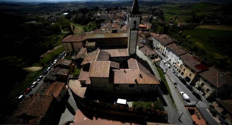 A general view taken from the Conti Guidi castle (Castello dei Conti Guidi) shows the Santa Croce church in Vinci, the Tuscan village where Leonardo Da Vinci was born./AFP