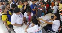 Filipinos queue to cast their ballots at a voting precinct in Quezon City, east of Manila, Philippines on May 13.//EPA-EFE