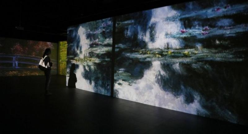 Monet's famous water lilies are transformed into multimedia visuals synchronised with music.