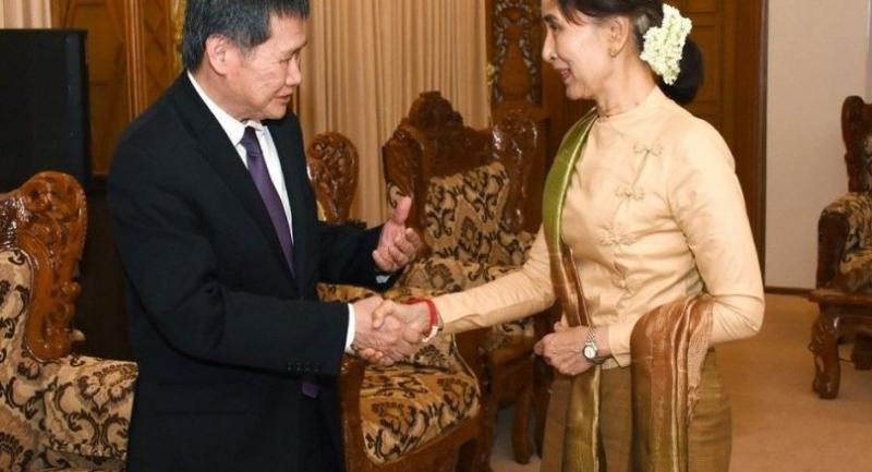 Asean chief Lim Jock Hoi (left) shakes hand with Myanmar State Counsellor Aung San Suu Kyi in Nay Pyi Taw on Monday evening