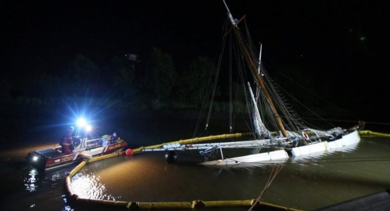 A 37 metre (121 foot) long pilot schooner is pictured sunk at the port of Stadersand near Hamburg, on June 9, 2019. // AFP PHOTO