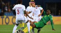 Canada's defender Kadeisha Buchanan (L) vies with Cameroon's midfielder Marlyse Ngo Ndoumbouk (R) during the France 2019 Women's World Cup Group E.