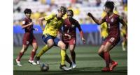 Sweden's midfielder Lina Hurtig (2ndL) controls the ball during the France 2019 Women's World Cup Group  F.
