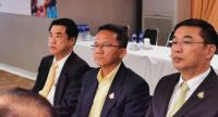 Sam Mitr leaders from right to left: Suriya Juangroongruangkit, Somsak Thepsutin and Anucha Nakasai