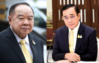 Prawit Wongsuwan, left, and Prayut Chan-o-cha