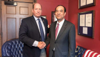 CHUM SOUNRY, CAMBODIAN AMBASSADOR THE US, RIGHT, MEETS REPUBLICAN REPRESENTATIVE TED YOHO ON MAY 17. Photo by the Phnom Penh Post