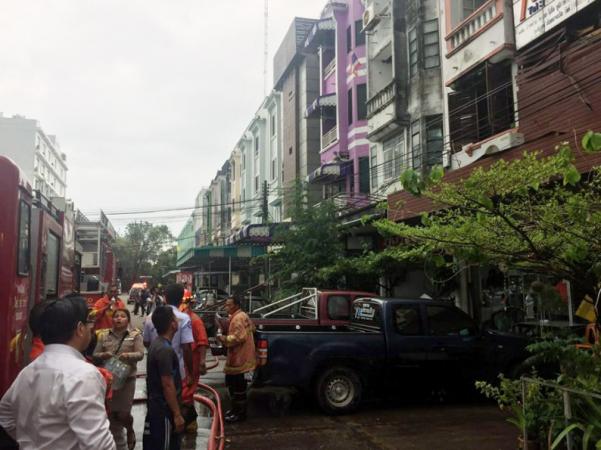 Fire damages Phuket plaza