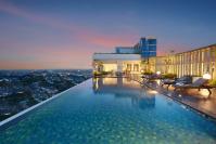 Hotel Ciputra Cibubur pool