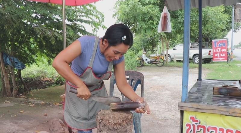 Khao Larm vendor Pathomporn Wimuitti