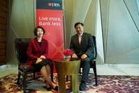 Pattera Dilokrungthirapop of DBS Vickers Securities (Thailand), left, and Sim S Lim of DBS Bank unveil their new partnership, by which DBS plans to double its wealth assets under management in Thailand by 2023.
