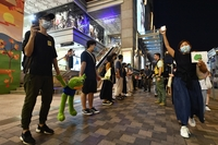 Protesters forming a human chain from Tsim Sha Tsui to Prince Edward in Hong Kong on Sept 30, 2019. ST PHOTO: CHONG JUN LIAN