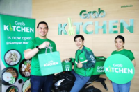 Tarin Thaniyavarn, Country Head of Grab Thailand (left), along with Chantsuda Thananitayaudom, Marketing Head of Grab Thailand (right),