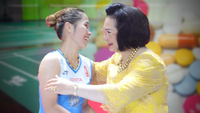Badminton Association of Thailand president Khunying Patama Leeswadtrakul  and Ratchanok Intanon