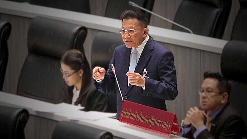 Opposition leader Sompong Amornvivat
