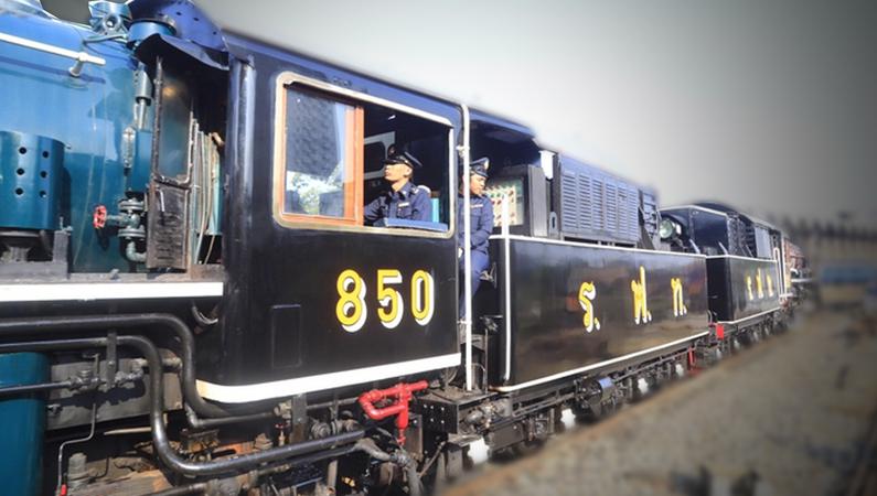 [Photo Gallery] Full steam ahead