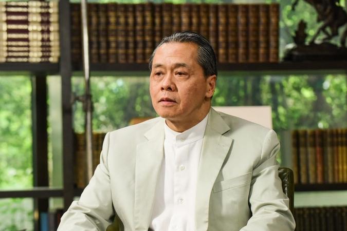 KBank's board chairman Banthoon Lamsam