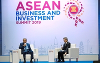 Making a point: Dr Mahathir speaking at a dialogue session at the Asean Business and Investment Summit in Bangkok