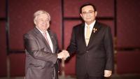 Mahathir Mohamad (Left), Prayut Chan-o-cha (Right)