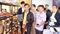 Deputy Transport Minister Thaworn Senneam, left