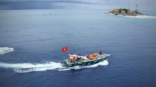 Approaching An Bang (Amboyna Cay) Island in Việt Nam's Trường Sa (Spratly) archipelago. — VNA/VNS Photo Quý Trung