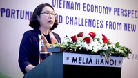 "NCIF's Director Tran Thi Hong Minh addresses a seminar held in Hanoi on Thursday, themed ""Vietnam economy perspective for 2021-25: opportunities and challenges from new generation free trade agreements"". — VNA/VNS Photo Danh Lam"