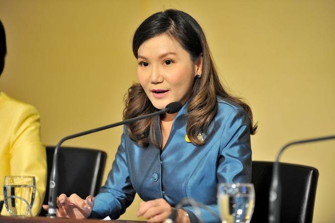 Spokeswoman Narumon Pinyosinwat