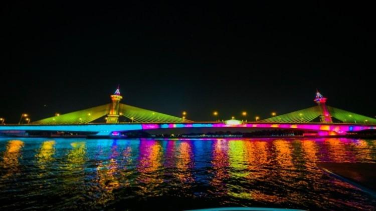 13 ponts de bangkok illuminés chaque soir