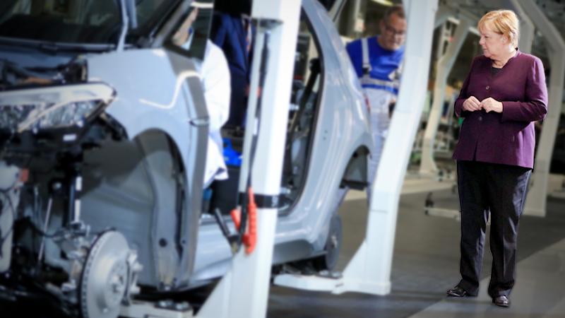 Angela Merkel visits the VW ID.3 electric car factory in Zwickau, Germany MUST CREDIT: Bloomberg photo by Krisztian Bocsi