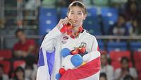 Panipak Wongpattanakit wins gold medal in taekwondo.